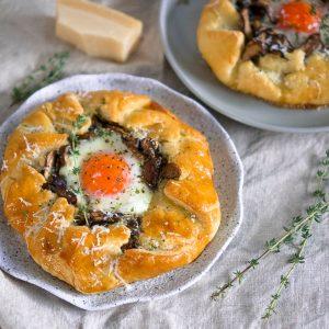 mushroom and egg galette